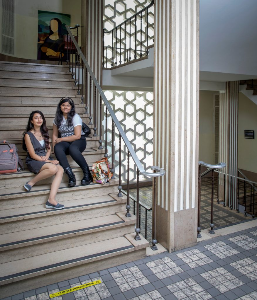 Voor Eva en Jananie betekent hun oude schoolgebouw een nieuwe start