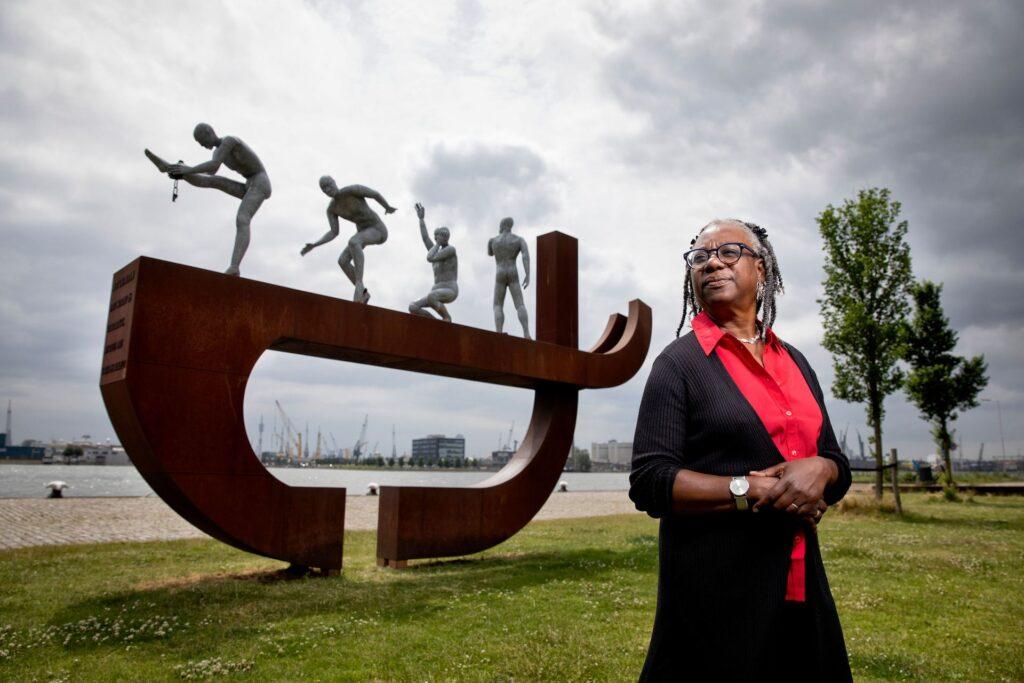 Peggy Wijntuin verbindt Rotterdams' heden en verleden met Slavernijmonument Rotterdam